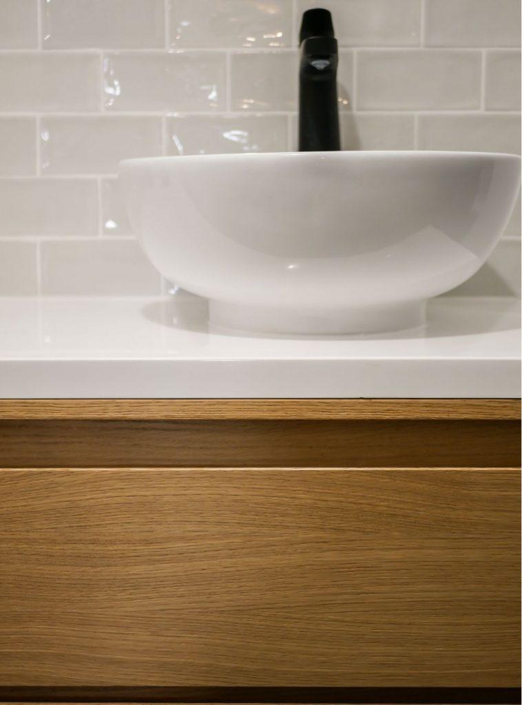 robineterie-salle-de-bains-noir-annecy